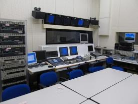 放送スタジオ実習室